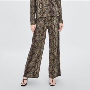 ZARA NWOT Snakeskin Python Print Wide Leg …